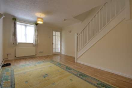 2 double bedrooms, Thorne Close, Boxmoor, Image 8