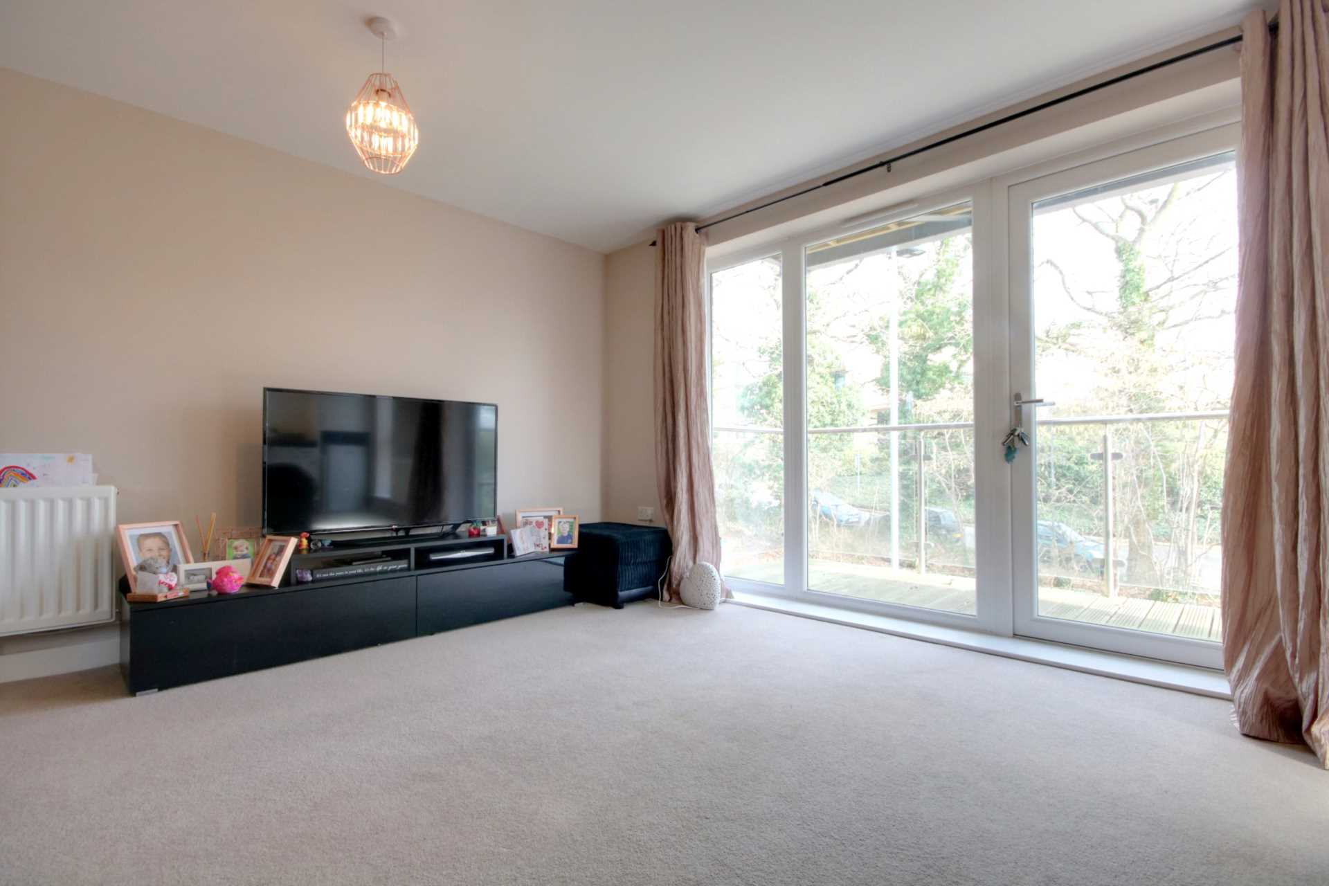 2 DOUBLE BED APARTMENT WITH 2 PARKING SPACES ON MODERN DEVELOPMENT., Image 4