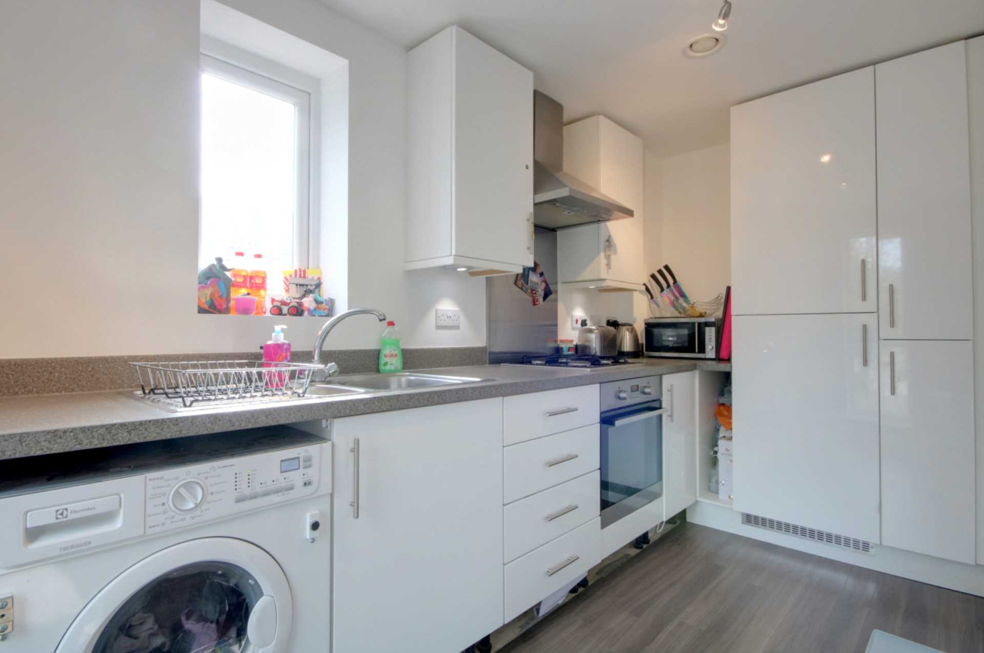 2 DOUBLE BED APARTMENT WITH 2 PARKING SPACES ON MODERN DEVELOPMENT., Image 5