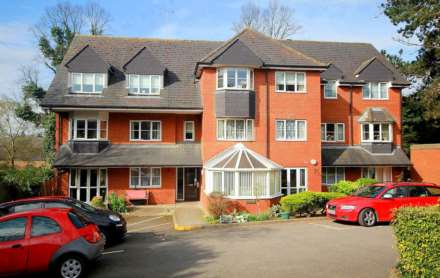 2nd Floor 2 bed  Over 55`s independent living apartment. OLD TOWN.
