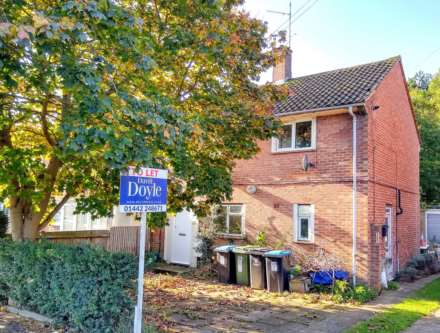 GOOD SIZE ONE BEDROOM CLOSE TO STATION, Image 1