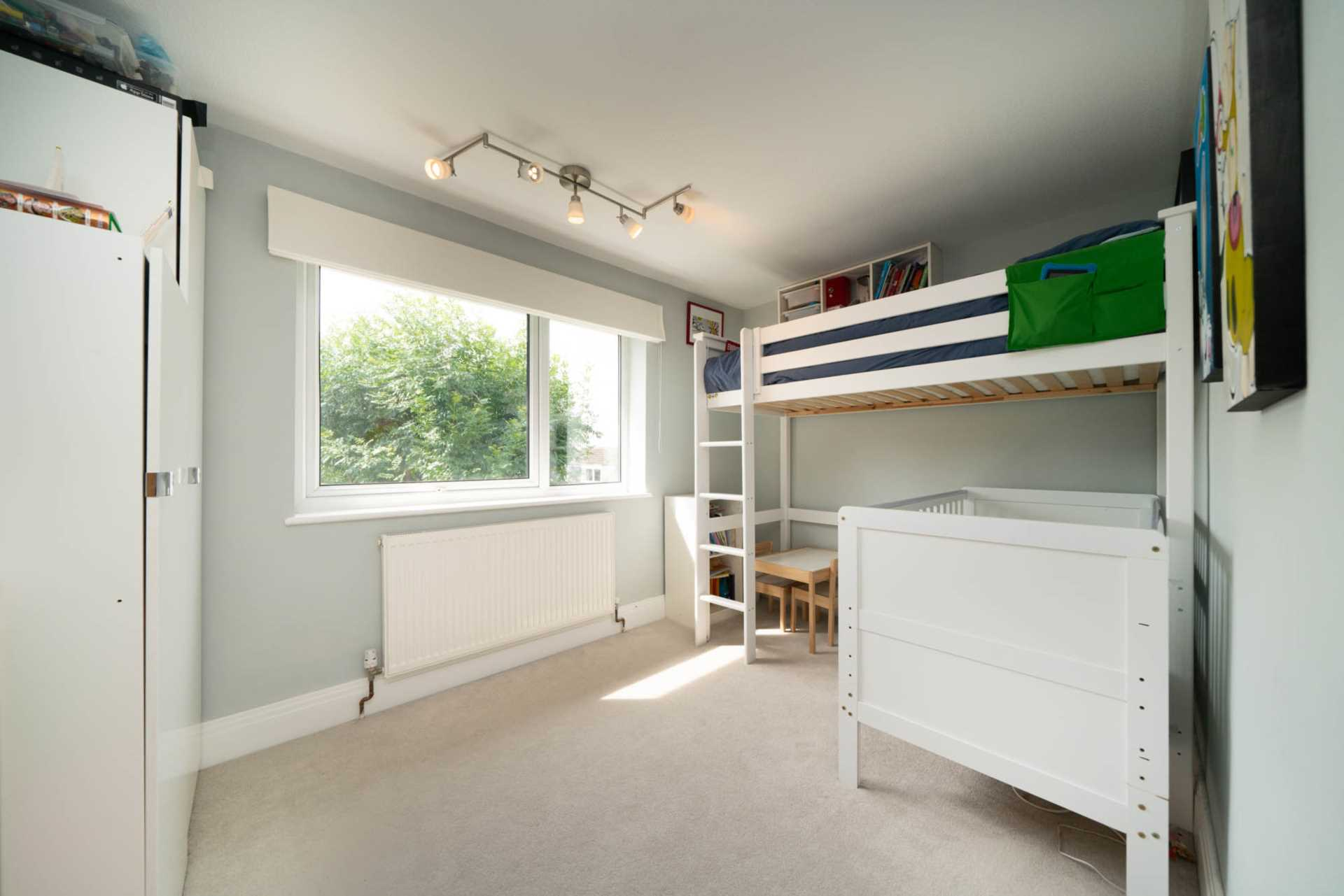 REFURBISHED 4 DOUBLE BEDROOM - SOUGHT AFTER OLD TOWN, HP2, Image 10