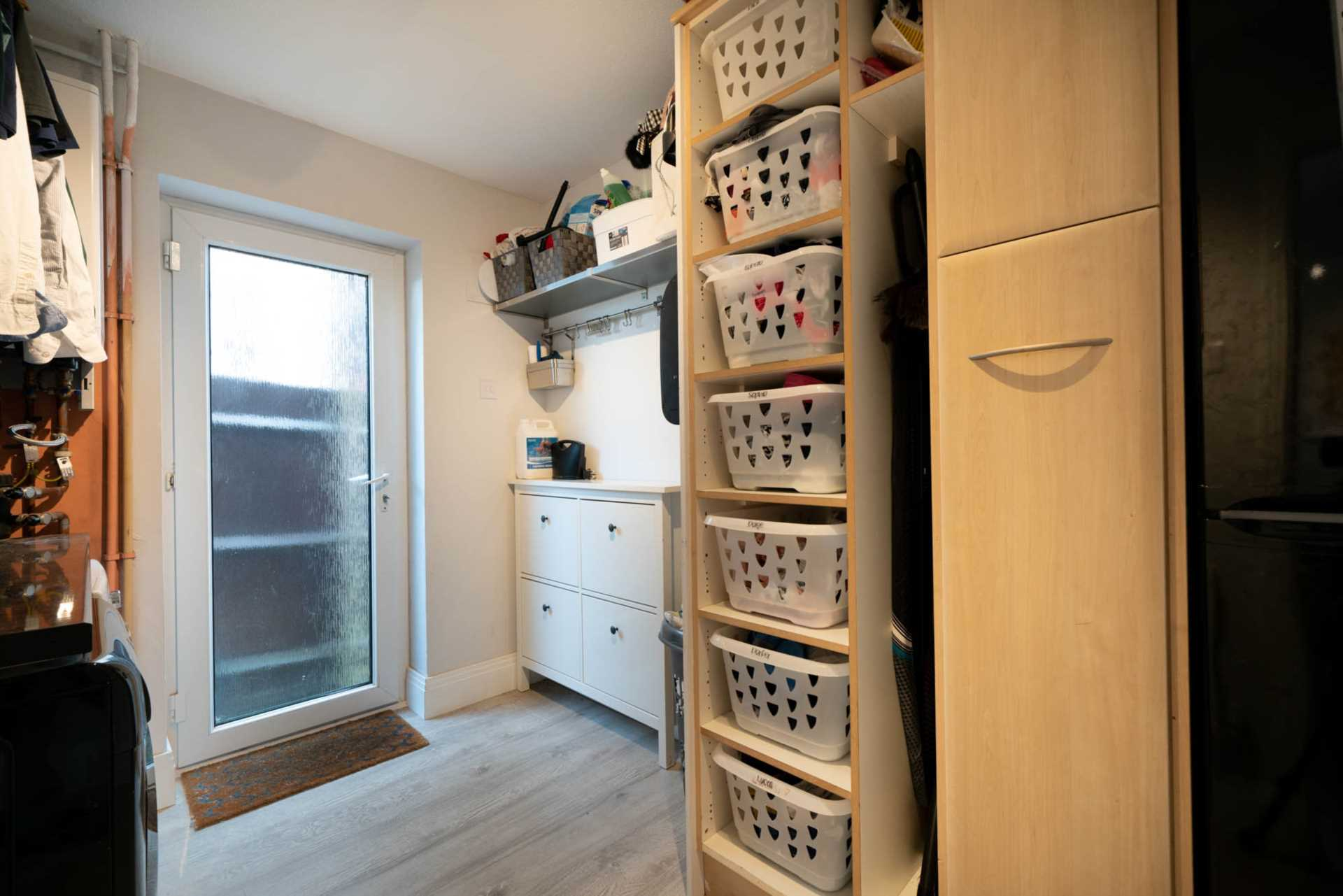 REFURBISHED 4 DOUBLE BEDROOM - SOUGHT AFTER OLD TOWN, HP2, Image 17