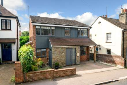4 Bedroom Detached, REFURBISHED 4 DOUBLE BEDROOM - SOUGHT AFTER OLD TOWN, HP2