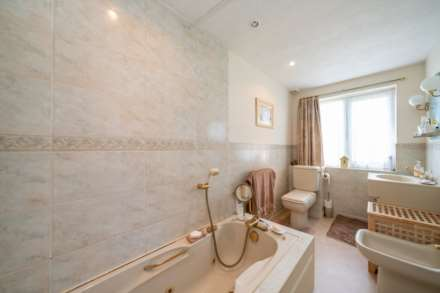 DEVELOPMENT PLOT TO THE REAR, AND ADJACENT TO, EXISTING CHARACTER PROPERTY - Glenview Road, BOXMOOR, HP1, Image 8