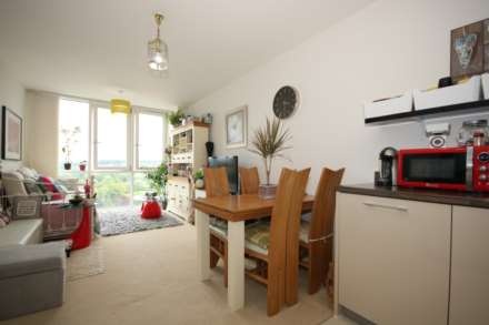 CLOSE TO TOWN, Kitchen with Appliances, EXCELLENT PRESENTATION