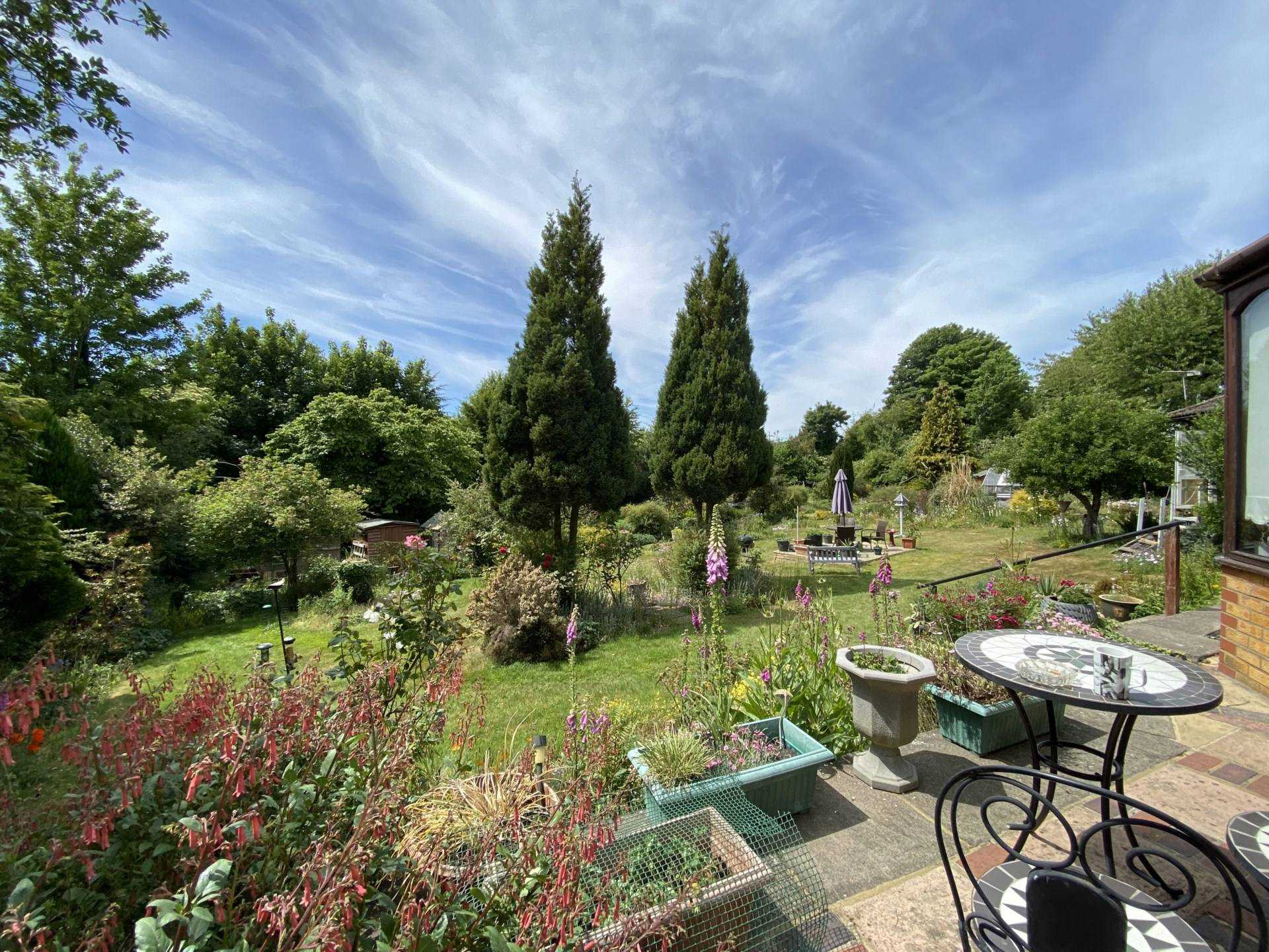 **  5 EXECUTIVE DETACHED PROPERTIES IN PRIME BERKHAMSTED RESIDENTIAL LOCATION CLOSE TO STATION  **, Image 12