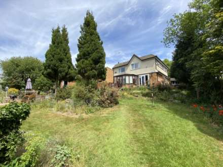 **  5 EXECUTIVE DETACHED PROPERTIES IN PRIME BERKHAMSTED RESIDENTIAL LOCATION CLOSE TO STATION  **, Image 2