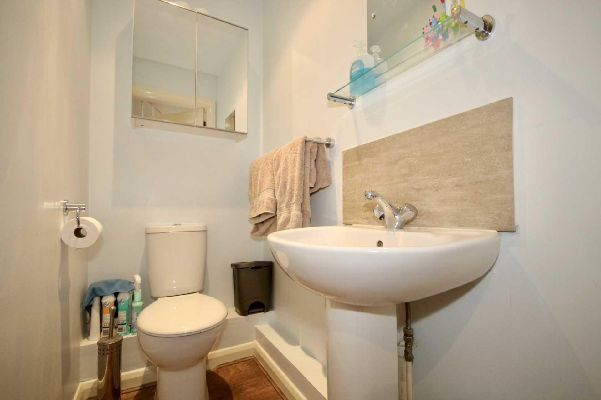 Fourdrinier Way, Impressive Master bedroom with Ensuite, PARKING, Image 10