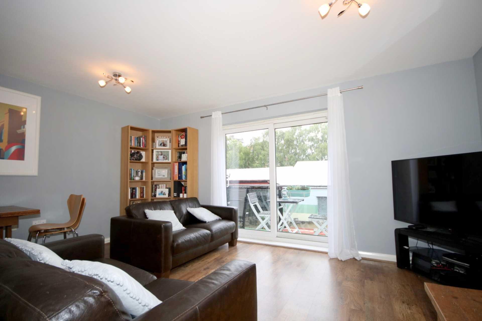 Fourdrinier Way, Impressive Master bedroom with Ensuite, PARKING, Image 12