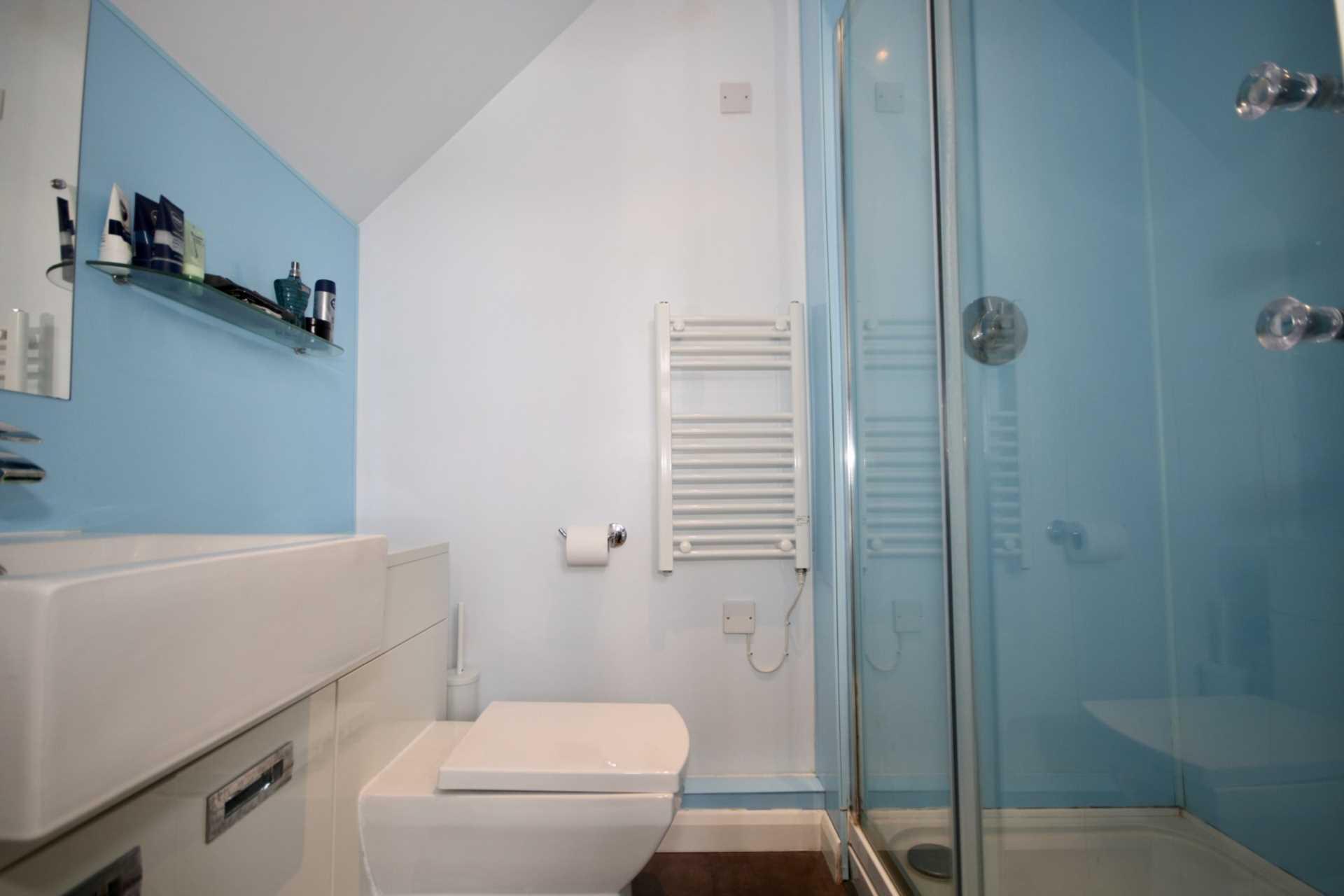 Fourdrinier Way, Impressive Master bedroom with Ensuite, PARKING, Image 8