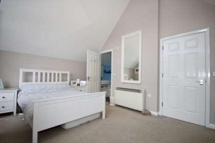 Fourdrinier Way, Impressive Master bedroom with Ensuite, PARKING, Image 13