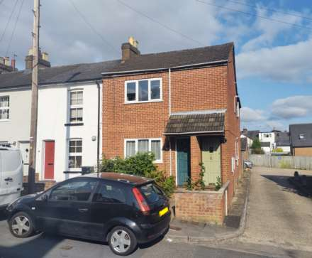 1 Bedroom Maisonette, Puller Road, Boxmoor