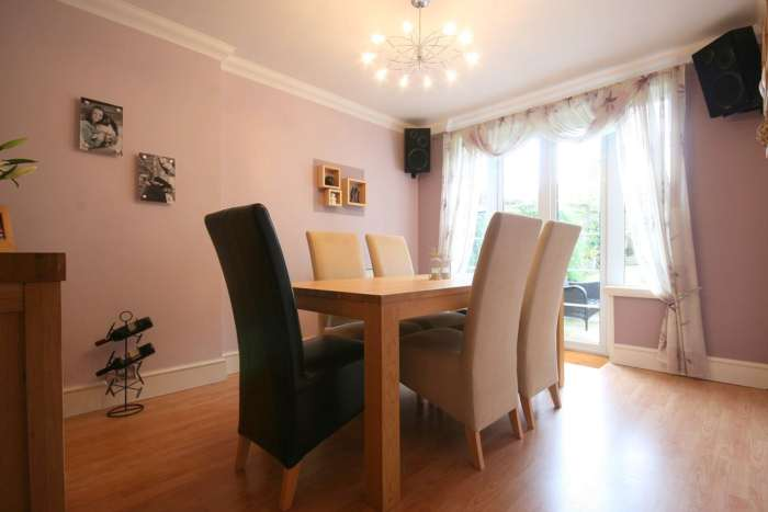 SUPERB 3 BED SEMI IN HEART OF BOXMOOR, Image 4