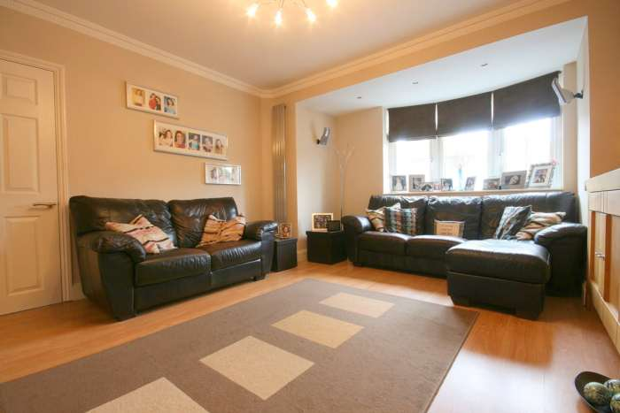 SUPERB 3 BED SEMI IN HEART OF BOXMOOR, Image 8