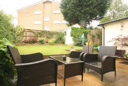 SUPERB 3 BED SEMI IN HEART OF BOXMOOR, Image 16