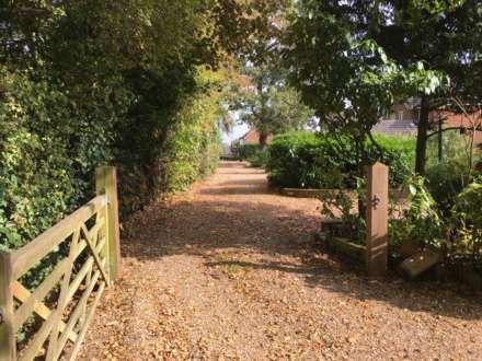 Tile Kiln Lane, Leverstock Green, Image 20