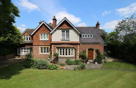 5 Bedroom Detached, Riverview Road, Pangbourne