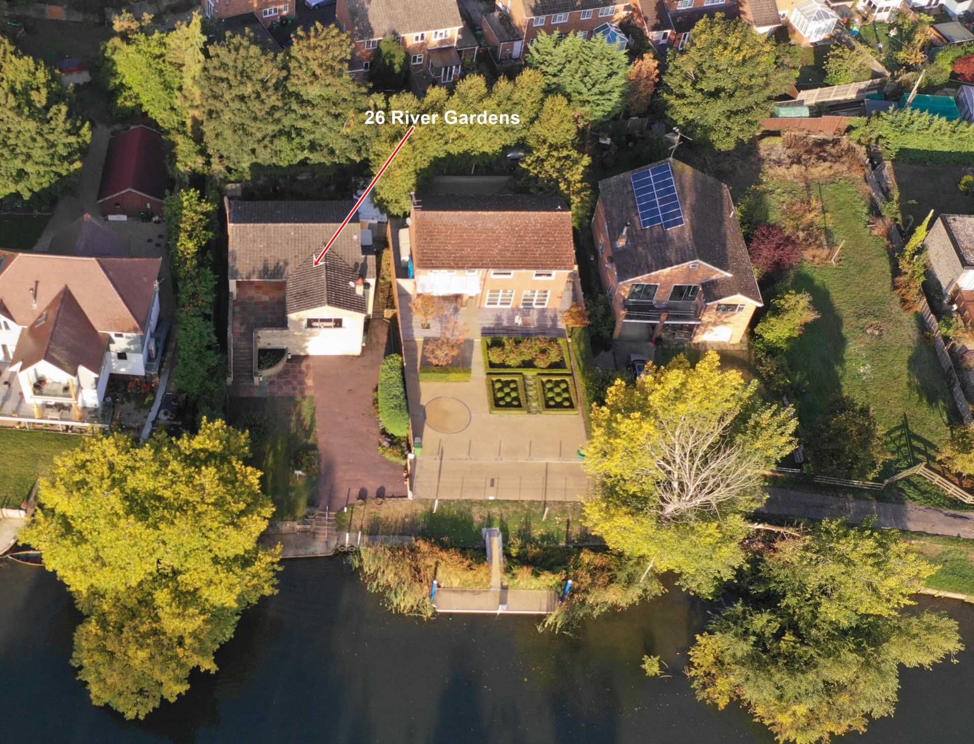 River Gardens, Purley On Thames, Berkshire, Image 3