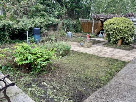 River Gardens, Purley On Thames, Berkshire, Image 15