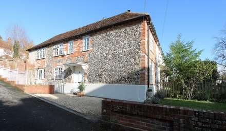 3 Bedroom Semi-Detached, Hardwick Road, Whitchurch-on-Thames