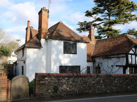 2 Bedroom Semi-Detached, Whitchurch on Thames, Oxfordshire