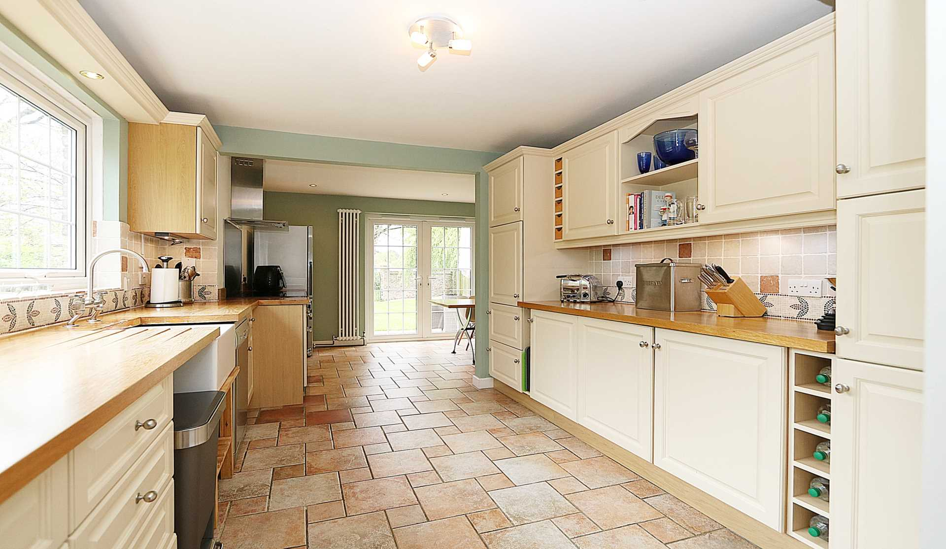 Upper Basildon, Berkshire, Image 7