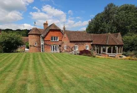 Bucklebury, Berkshire - Yattendon 1½ miles, Image 2