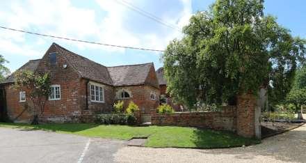 Bucklebury, Berkshire - Yattendon 1½ miles, Image 28