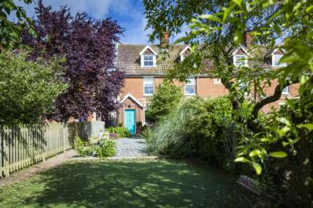 3 Bedroom Terrace, Medway Terrace, Wateringbury
