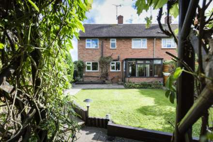3 Bedroom Semi-Detached, Paddock Close, Fordcombe