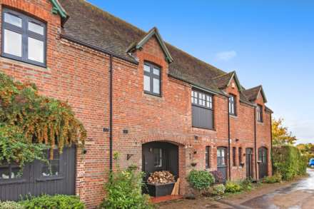 3 Bedroom Barn Conversion, Home Farm Close, Leigh, Tonbridge