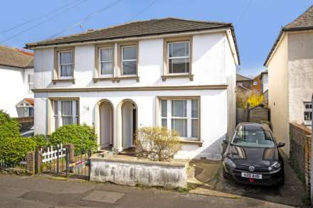 3 Bedroom Semi-Detached, Bedford Road, Southborough
