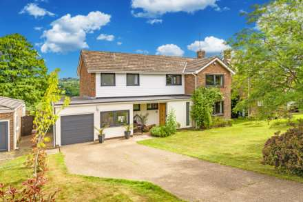 4 Bedroom Detached, Cobhams, Speldhurst