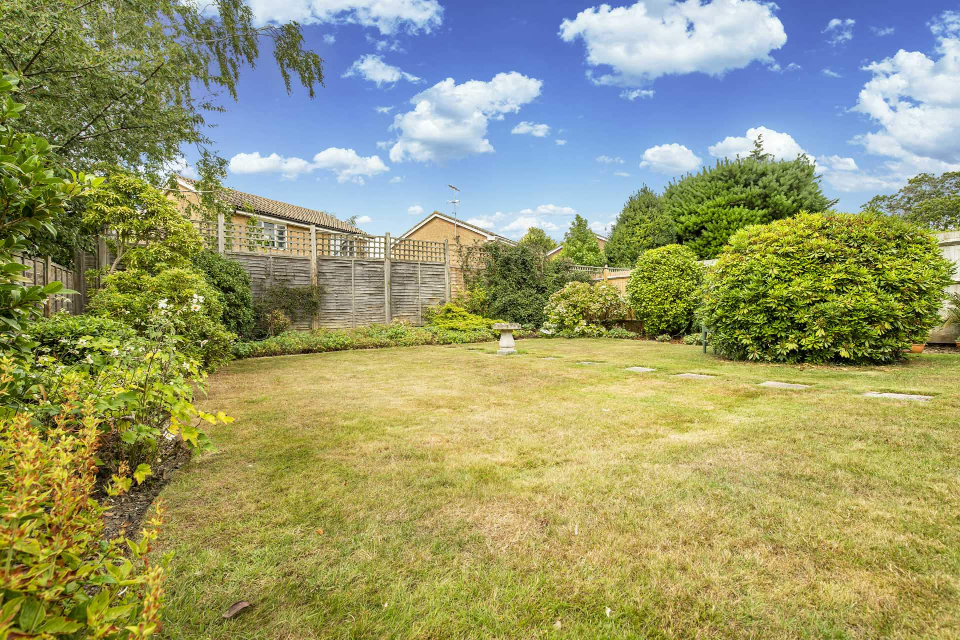 Pinewood Gardens, Southborough, Image 13