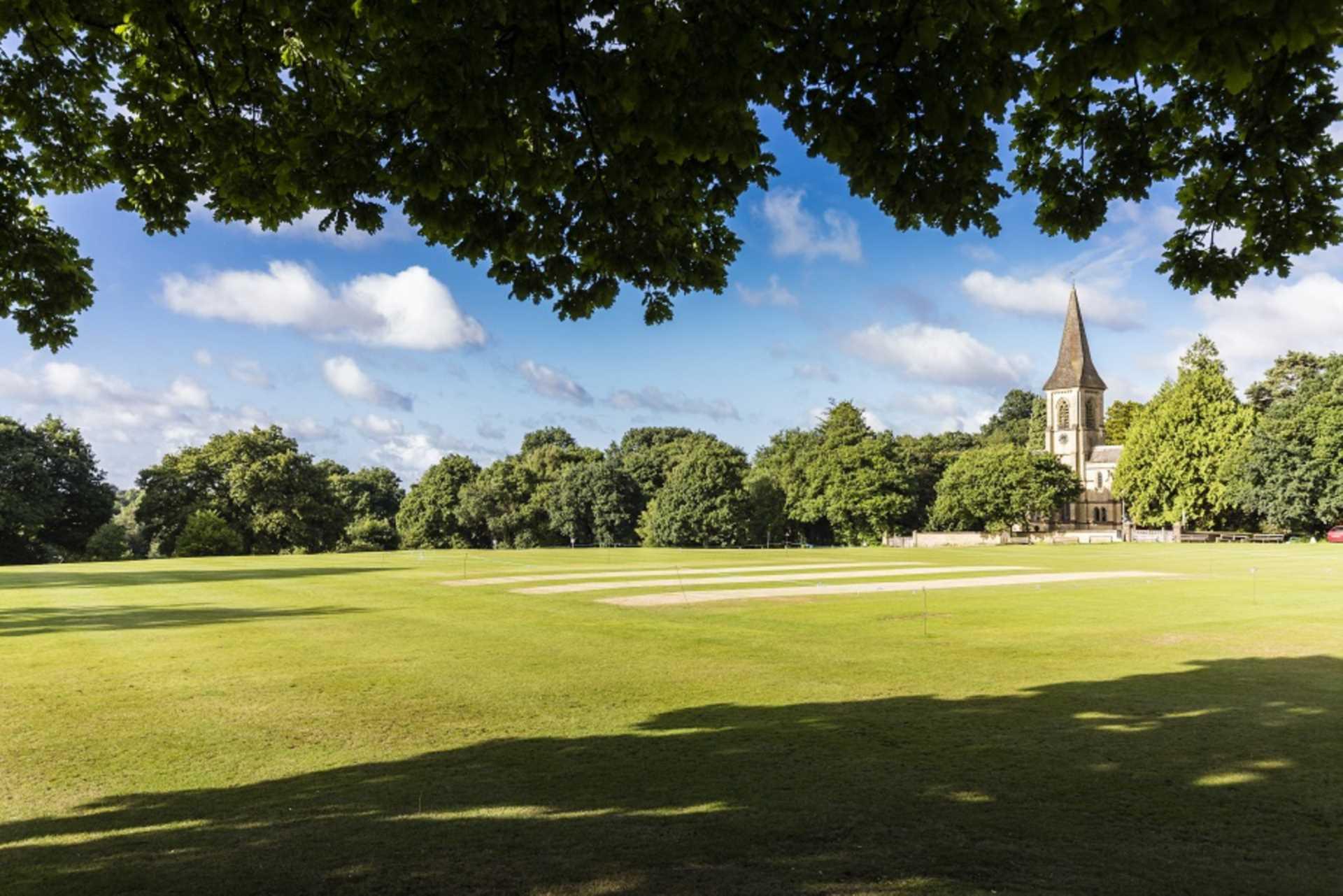 Pinewood Gardens, Southborough, Image 15