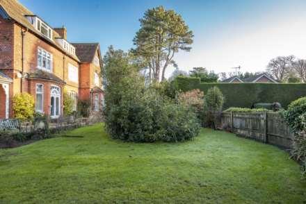 Thornfield Gardens, Tunbridge Wells, Image 14