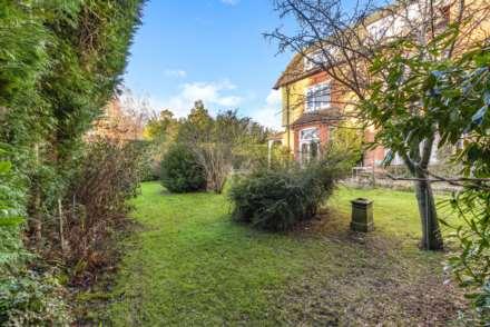 Thornfield Gardens, Tunbridge Wells, Image 15