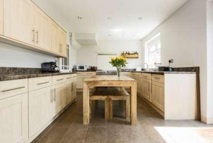 3 Bedroom Terrace, Lennard Road, Dunton Green