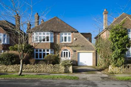 4 Bedroom Detached, Woodland Way, Bidborough