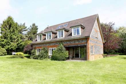 4 Bedroom Detached, Juniper Cottage, Northend