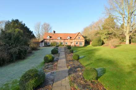 5 Bedroom Country House, Little Missenden HP7