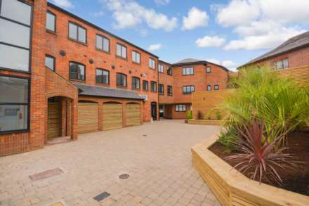 Property For Sale Sills Yard, The Broadway, Chesham
