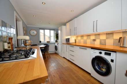 Langley Place, Billericay, Image 4
