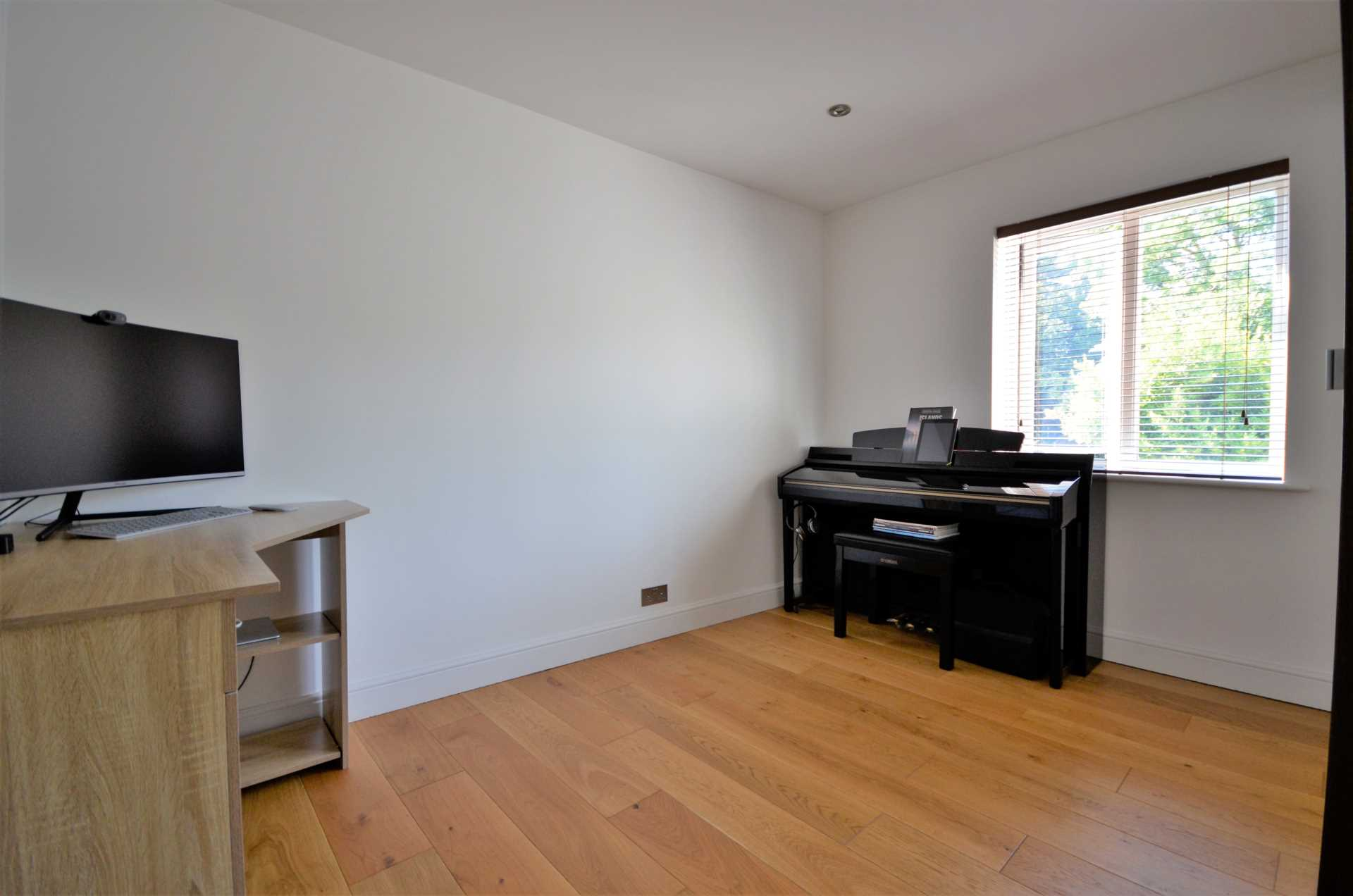 Kings Chase, Brentwood, Image 13