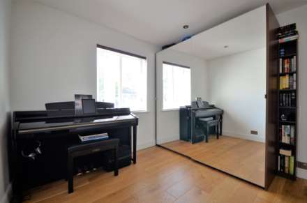 Kings Chase, Brentwood, Image 14