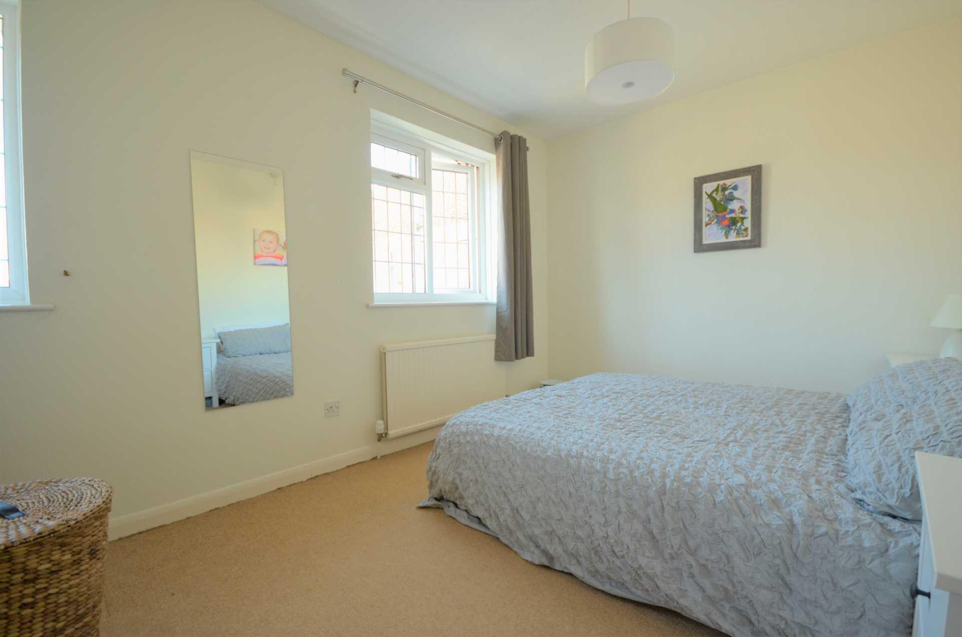 Dovedale Close, Ramsden Heath, Image 7