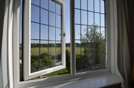 Dovedale Close, Ramsden Heath, Image 11