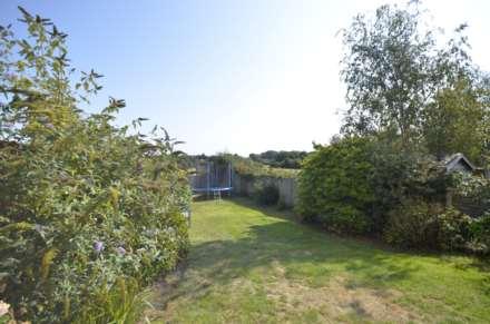 Dovedale Close, Ramsden Heath, Image 15