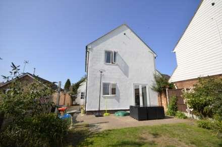 Dovedale Close, Ramsden Heath, Image 16